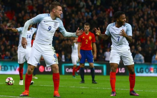 England Soccer Team Celebrates Goal With a Mannequin Challenge