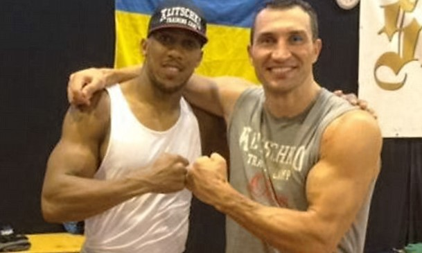 Anthony Joshua and Wladimir Klitschko edge closer to heavyweight showdown